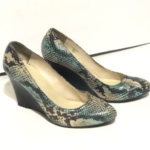 Max Studio Snakeskin Blue Green Wedges